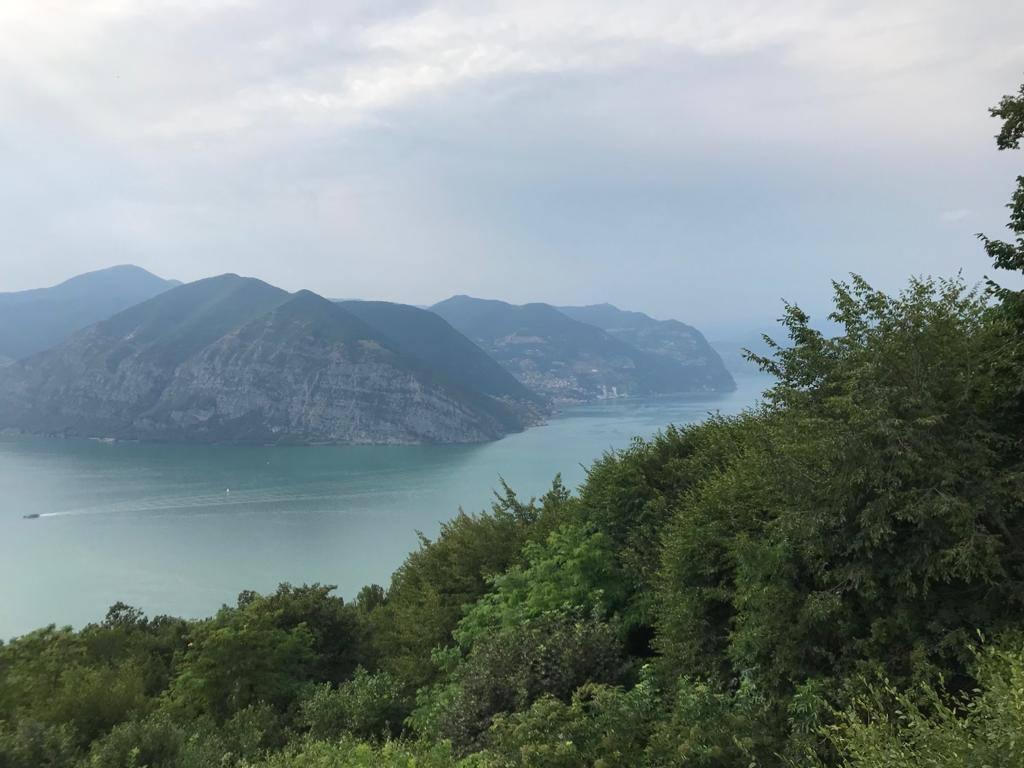 Der Iseo See kurz nach Abfahrt am Hotel