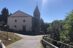 Schöne Flecken säumen die Straße Richtung Colle del Lys
