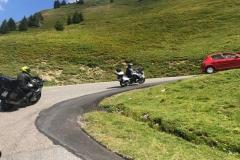 Ein Kurvenpotpourri führt uns ins Tal